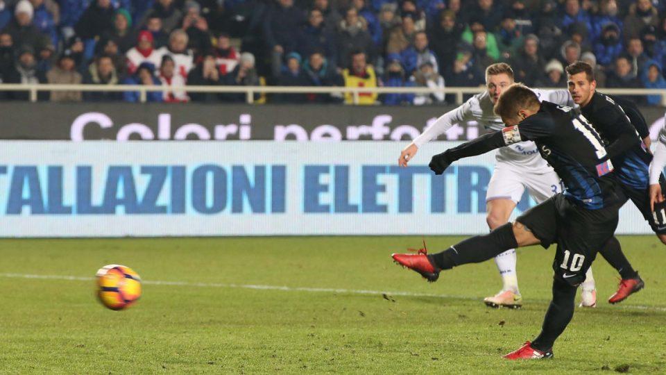 Gomez trasforma il rigore