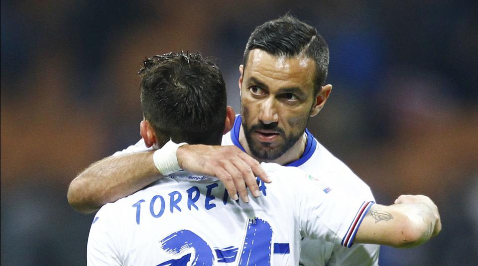 Quagliarella abbracciato da Torreira dopo il penalty segnato