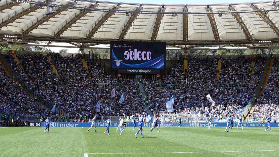 Il tifo biancoceleste ha affollato l'Olimpico per festeggiare la certezza di un posto in Europa League