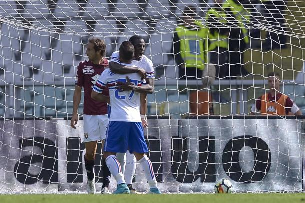 Quagliarella esulta con Zapata dopo il 2-2