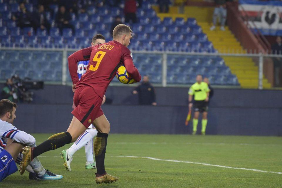 Il numero 9 torna a metà campo dopo il gol: è il suo regalo d'addio alla Roma?