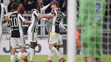 Höwedes celebra il suo primo gol in Serie A