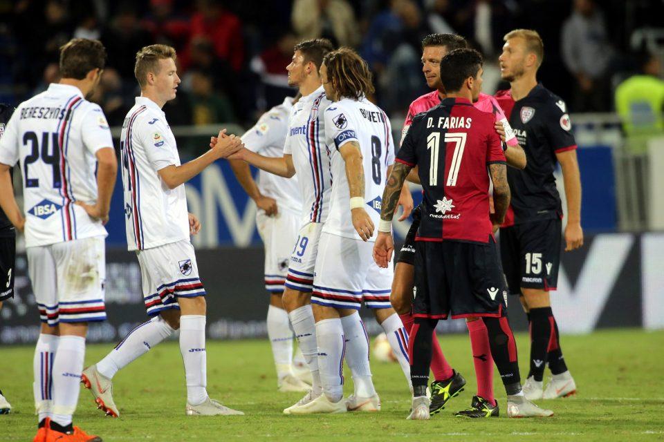 I saluti finali tra le due squadre
