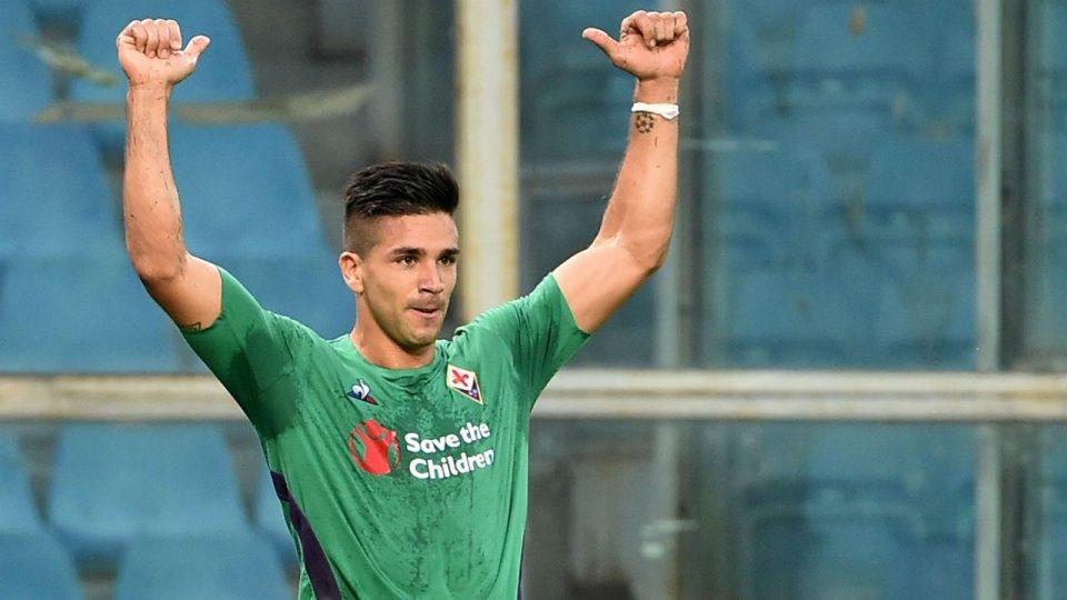 Simeone festeggia il vantaggio della Fiorentina