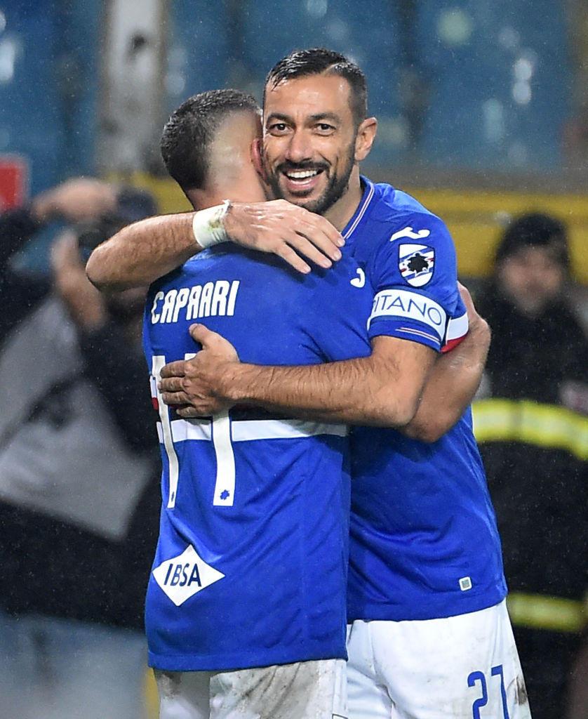 L'abbraccio tra Caprari e Quagliarella, i due marcatori del match