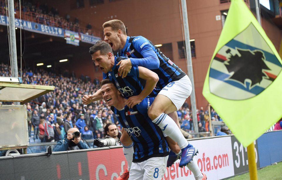 La gioia atalantina dopo il gol di Gosens