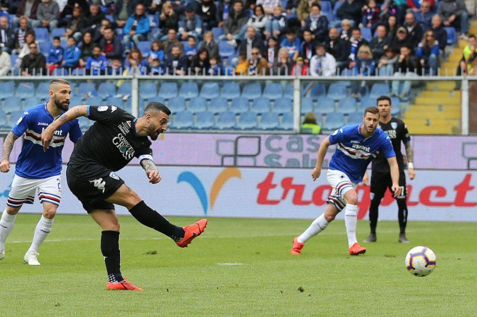 Il rigore dell'Empoli: Caputo si fa parare il tiro da Audero, ma Di Lorenzo segnerà nella ribattuta
