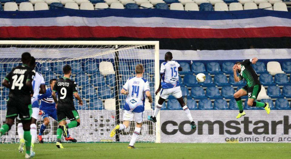 Berardi, tutto solo, trova di testa il gol del 2-0