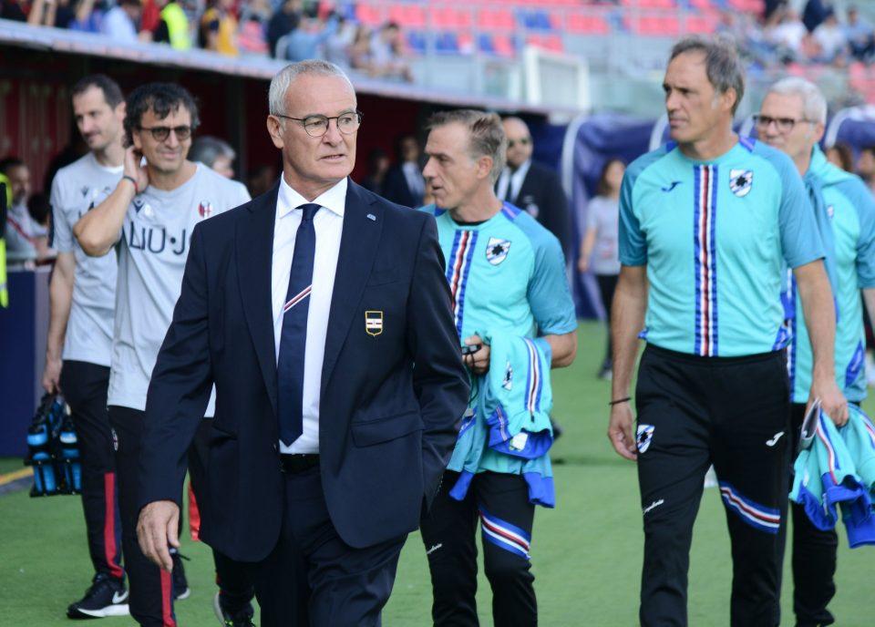Ranieri al momento dell'ingresso in campo delle squadre