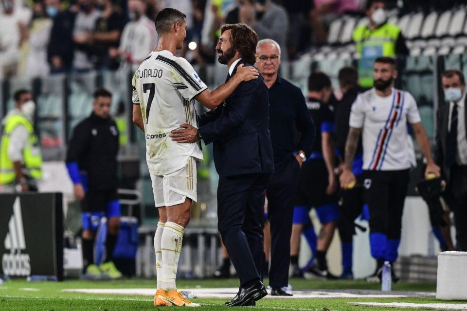 Bell'esordio da allenatore per Andrea Pirlo, qui a colloquio con Ronaldo