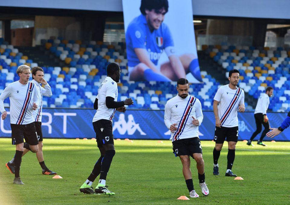 Allenamento sotto lo sguardo di Maradona, a cui Napoli ha appena dedicato lo stadio