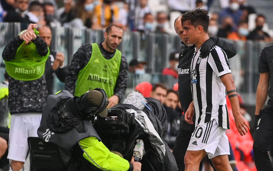 Dybala esce sconfortato dal campo